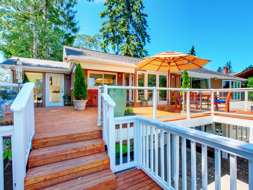 Bedeck Your Space With a Custom Deck